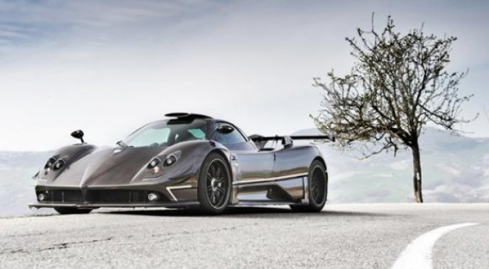 The Pagani Zonda Lives on with the 760RS